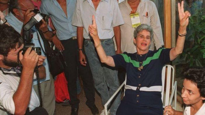 Violeta Chamorro antes de las elecciones que le dieron la victoria, en febrero de 1990.