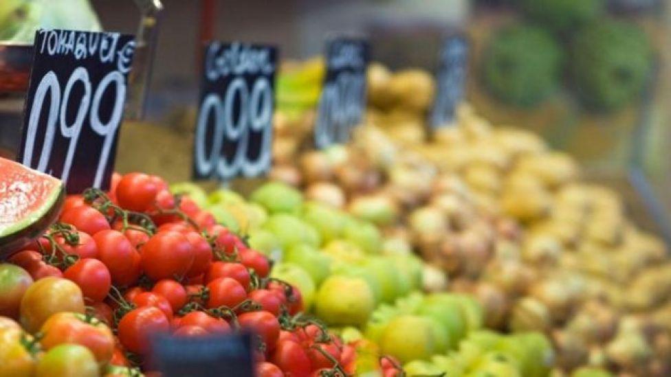 Legumes e verduras à venda