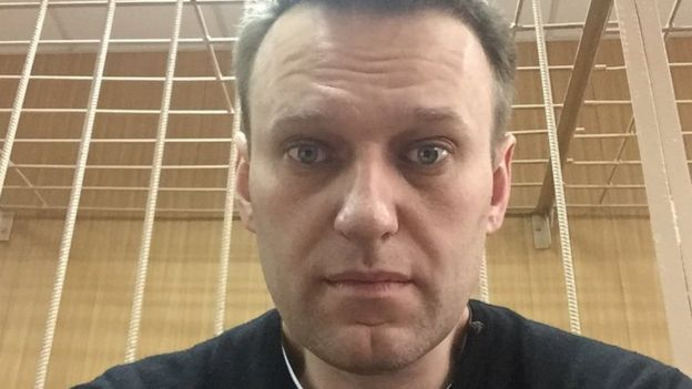 An Alexei Navalny selfie from the courtroom