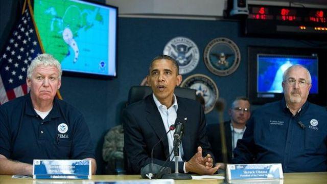 Barack Obama durante el huracán Sandy.