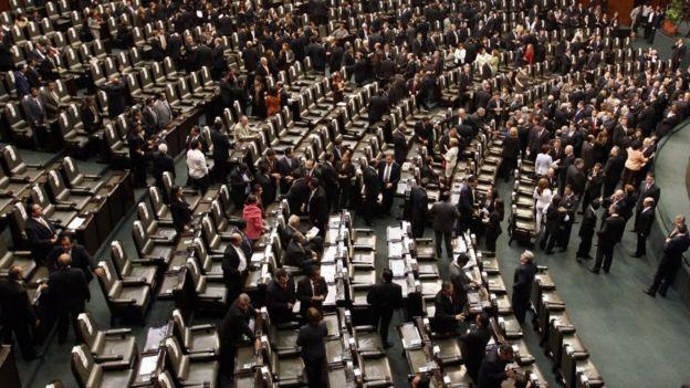 Los legisladores protagonizan la palabra