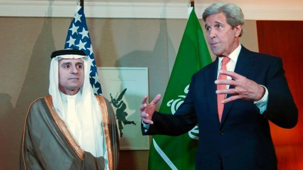 Saudi Foreign Minister Adel al-Jubeir and US Secretary of State John Kerry in Geneva (2 May 2015)