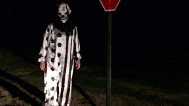 Un hombre vestido de payaso fue captado en Waco, Kentucky