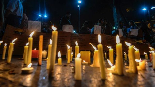 Vigilia por los muertos en las protestas
