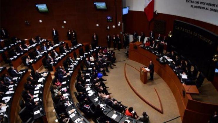 El Senado de México exigió castigar a los agresores de su compañera.