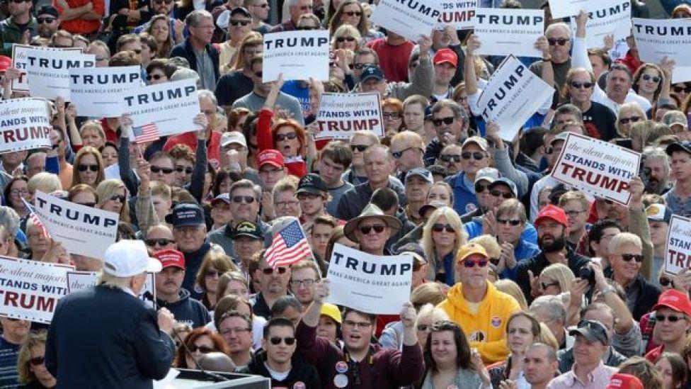 Apoiadores de Trump em Norfolk, na Virgínia