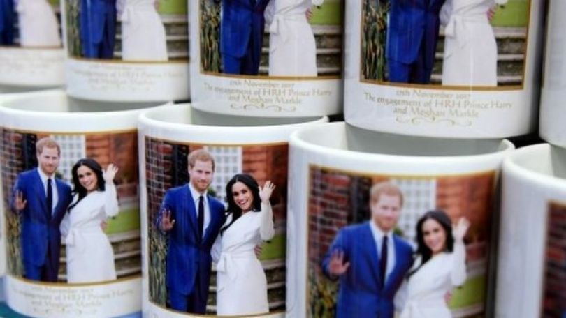 Canecas com fotos de Harry e Meghan