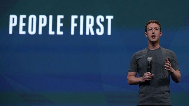 Zuckerberg explicando su filosofía