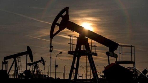 تهاوي أسعار النفط
