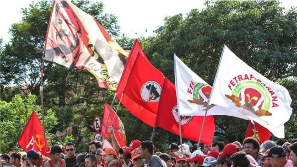 Simpatizantes de Lula, en un acto de protesta en Porto Alegre.