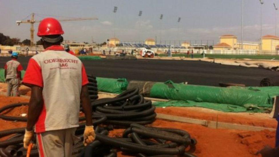 Operário em obra da Odebrecht em Angola