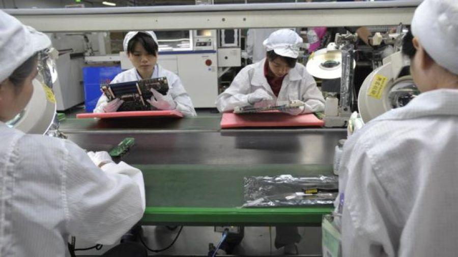 Linha de montagem em fábrica chinesa