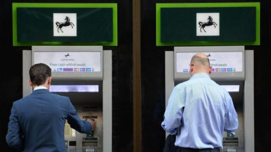 Lloyds cashpoints