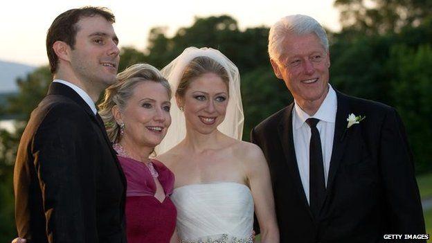 Bà Clinton nói rằng một số email riêng tư của bà bao gồm việc lên kế hoạch cho đám cưới của con gái
