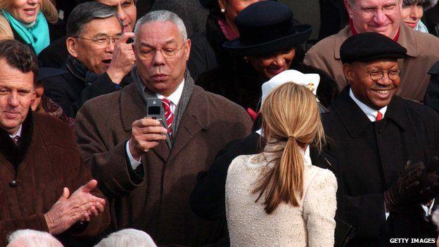 Ông Colin Powell sử dụng một tài khoản email cá nhân trong thời gian làm Bộ trưởng Ngoại giao