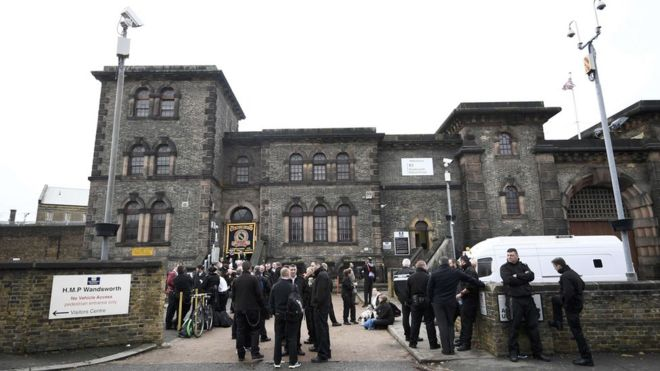 Prison officers in protest at Wandsworth Prison