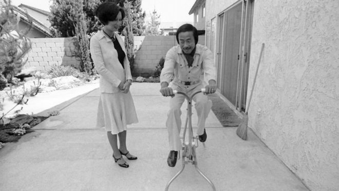 NORWALK, CA - AUGUST 10: General Nguyen Cao Ky with wife Tuiet on August 10, 1977 in Norwalk, California.