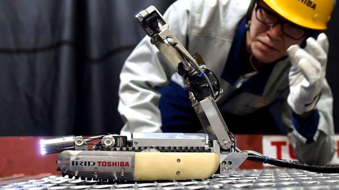 Robot y ser humano
