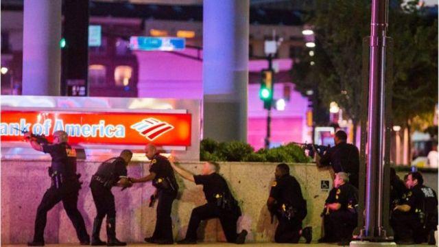 Policía en Dallas