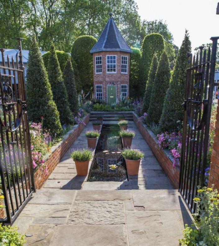 Diarmuid Gavin's garden at the 2016 Chelsea Flower Show