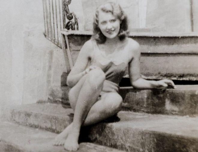 Đến năm 1934, bà Mary Anne MacLeod đã là người New York quyến rũ