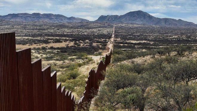 Resultado de imagem para muro entre mexico e eua