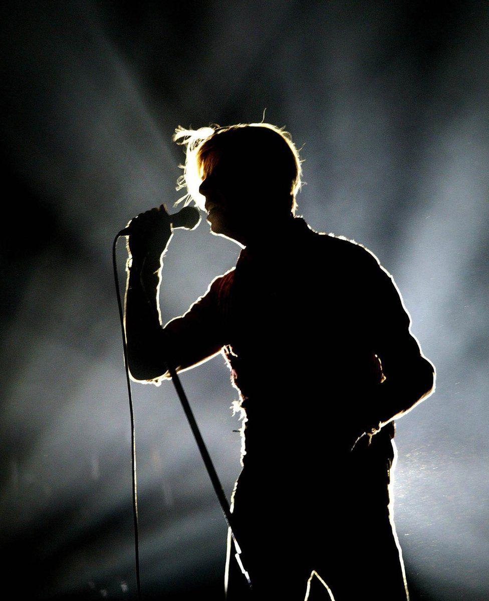 David Bowie, 2003