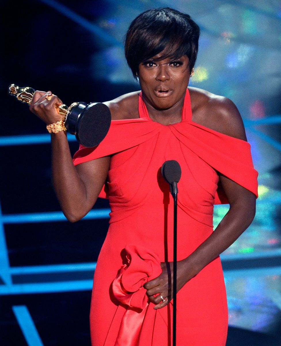 Viola Davis accepts the award