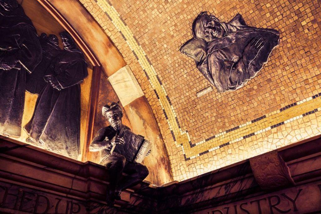 """Потолок в пабе """"Черный монах"""""""