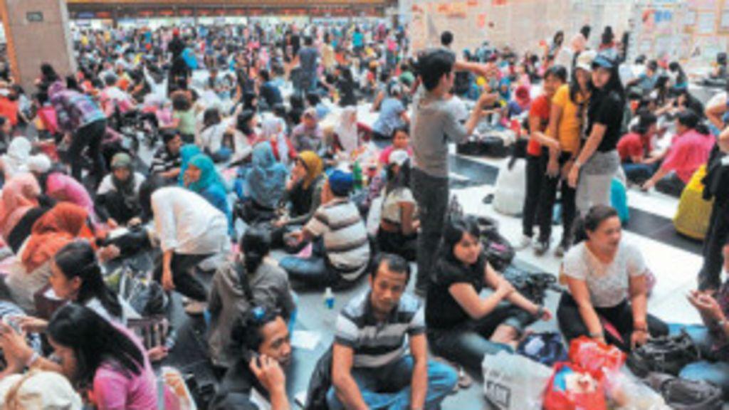 臺灣印尼外勞車站慶開齋節引議論 - BBC 中文網