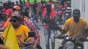 Acto del opositor Manuel Pizarro dispersado a tiros