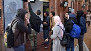 Refugiados recién llegados a Copenhague.