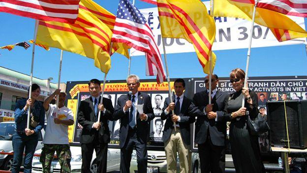 Người Việt tại Mỹ kỷ niệm 40 năm cuộc chiến kết thúc 30/4/2015