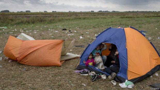 Migrants tent