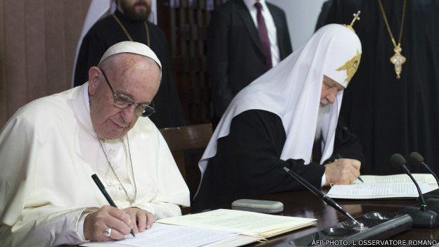 पोप फ्रांसिस और रूसी ऑर्थोडॉक्स चर्च प्रमुख किरिल