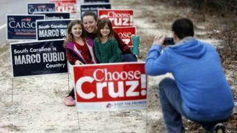 Carteles de los candidatos republicanos.