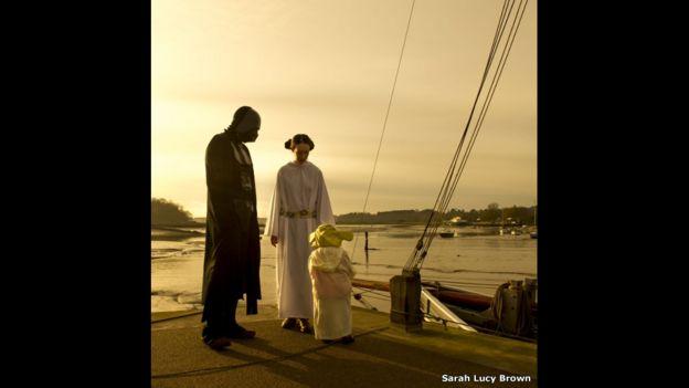 Gente vestida como personajes de Star Wars