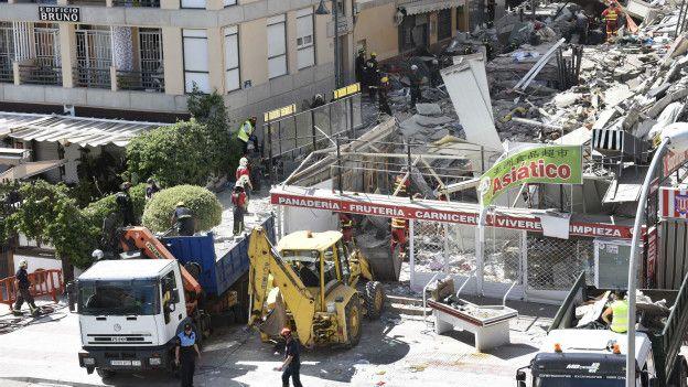 En Tenerife, España, colapsó un edificio en una zona residencial en abril.
