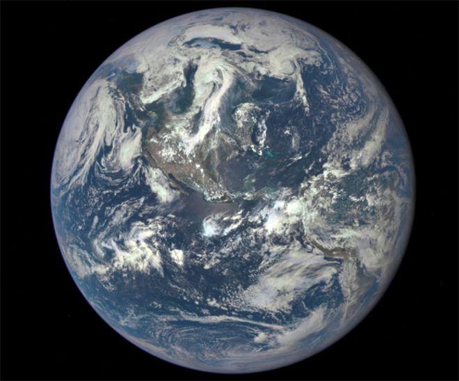 Cara iluminada de la Tierra