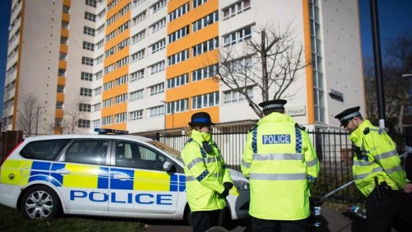 Agente policial en Bristol, Inglaterra