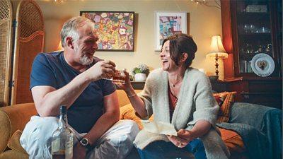 Paul 'Wicky' Wickstead (Greg Davies), Maggie (Jo Hartley)