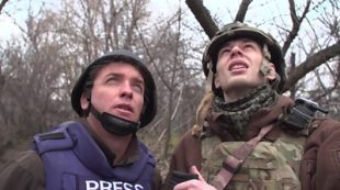 On the front line in eastern Ukraine #world #BBC_News