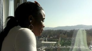 The Zurich students living cheaply in a luxury hotel #world #BBC_News