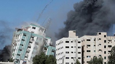 Gaza tower containing media offices collapses after Israeli strike #world #BBC_News