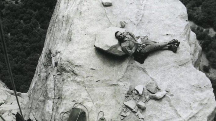 p0511kmb - US climber kills himself after avalanche kills girlfriend