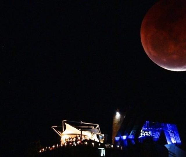 Lunar Eclipse Centurys Longest Blood Moon Delights Skygazers Bbc News