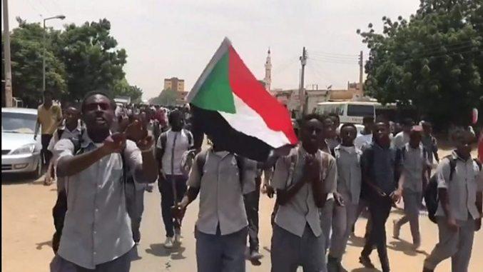Crise au Soudan: les forces armées et l'opposition s'accordent sur une déclaration constitutionnelle