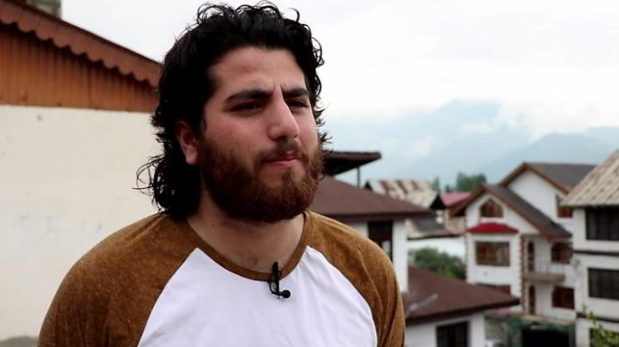 Inside Kashmir's lockdown: 'Even I will pick up a gun' 1