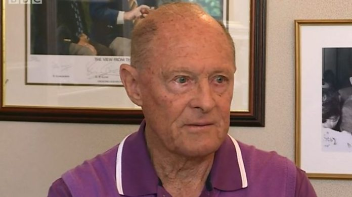 Geoffrey Boycott 'doesn't give a toss' about knighthood criticism - image  on https://muvison.com