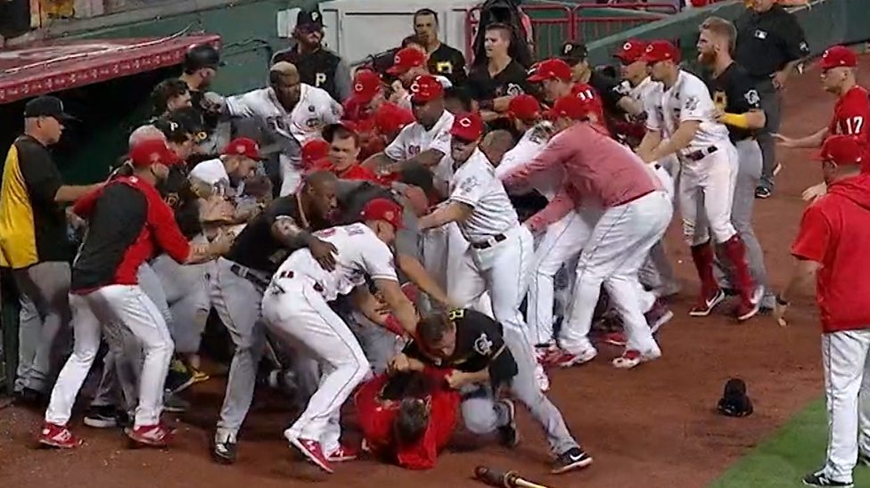mlb baseball fight cincinnati